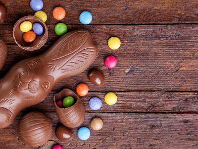 Шоколад, яйца, colorful, кролик, конфеты, Пасха, wood, chocolate, spring, Easter, eggs, bunny, candy, decoration, Happy