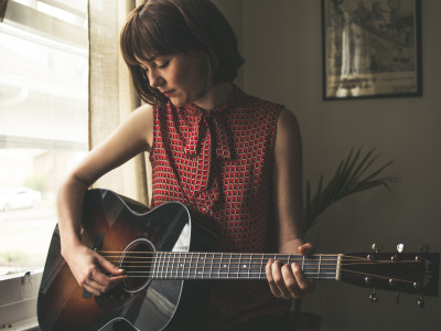 Guitar, американская певица в стиле кантри, Молли Таттл, bluegrass, Molly Rose Tuttle, country folk